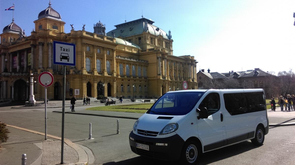 Opel Vivaro 8+1 Long